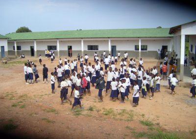 Το Δημοτικό Σχολείο στο χωριό Μπάμπα Κοσμά στο Κολουέζι του Κονγκό