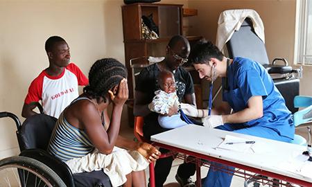 Η περίθαλψη της Ιεραποστολής στην Σιέρρα Λεόνε σώζει ζωές