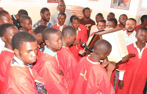 Τα παιδιά της χορωδίας της Ιεραποστολής