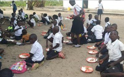 Ας γίνουμε κι εμείς ένας κρίκος αυτής της αλυσίδας των αδειανών πιάτων των παιδιών της Αφρικής