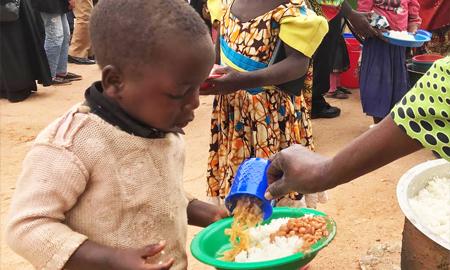Με συμπόνια δεν γεμίζει το πιάτο των πεινασμένων παιδιών της Αφρικής